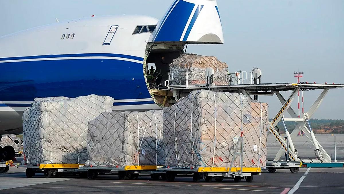 Объем авиаперевозок грузов снизился на 1,4%